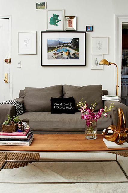 This One Bedroom Proves Small Apartments Don T Have To Be Boring Home Decor Bedroom Home Living Room Home Decor