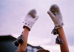 4 warm woolen mittens