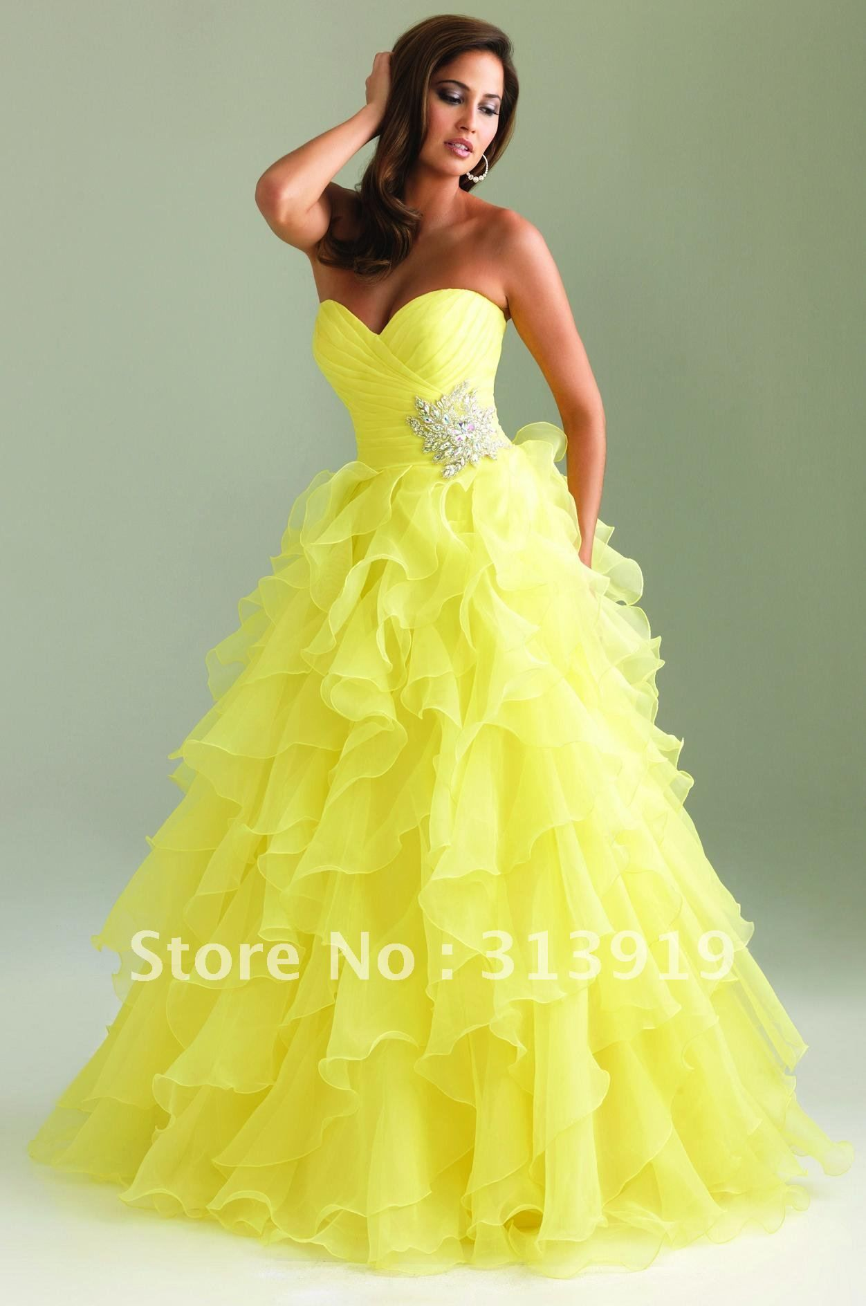 puffy prom dresses ....love this so much | Dress to Impress ...