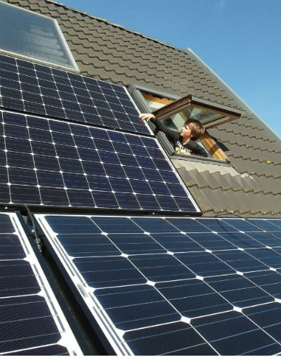Calculating The Kilowatt Hours Your Solar Panels Produce Solar Panel Output Solar Panels Solar Solar Installation