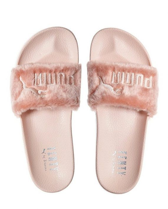 Puma X Rihanna Fenty Leadcat Slippers Sandals Flip-flops Women s Fluffy Fur  Sliders in Shell   Pink – Webstore of luxury brands e386a9b8c1