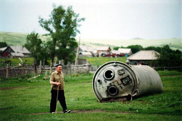 El fracaso es fatal, los errores giran alrededor de nosotros y las misiones espaciales fallidas en torno a la Tierra, en el cementerio espacial.