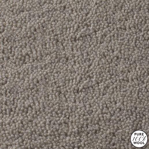 Jacaranda Carpet S Heavy Velvet Collection Is A Smooth Velvet Carpet Made From A 100 Pure All Natural Wool With Images Velvet Carpet Rugs On Carpet Grey Velvet