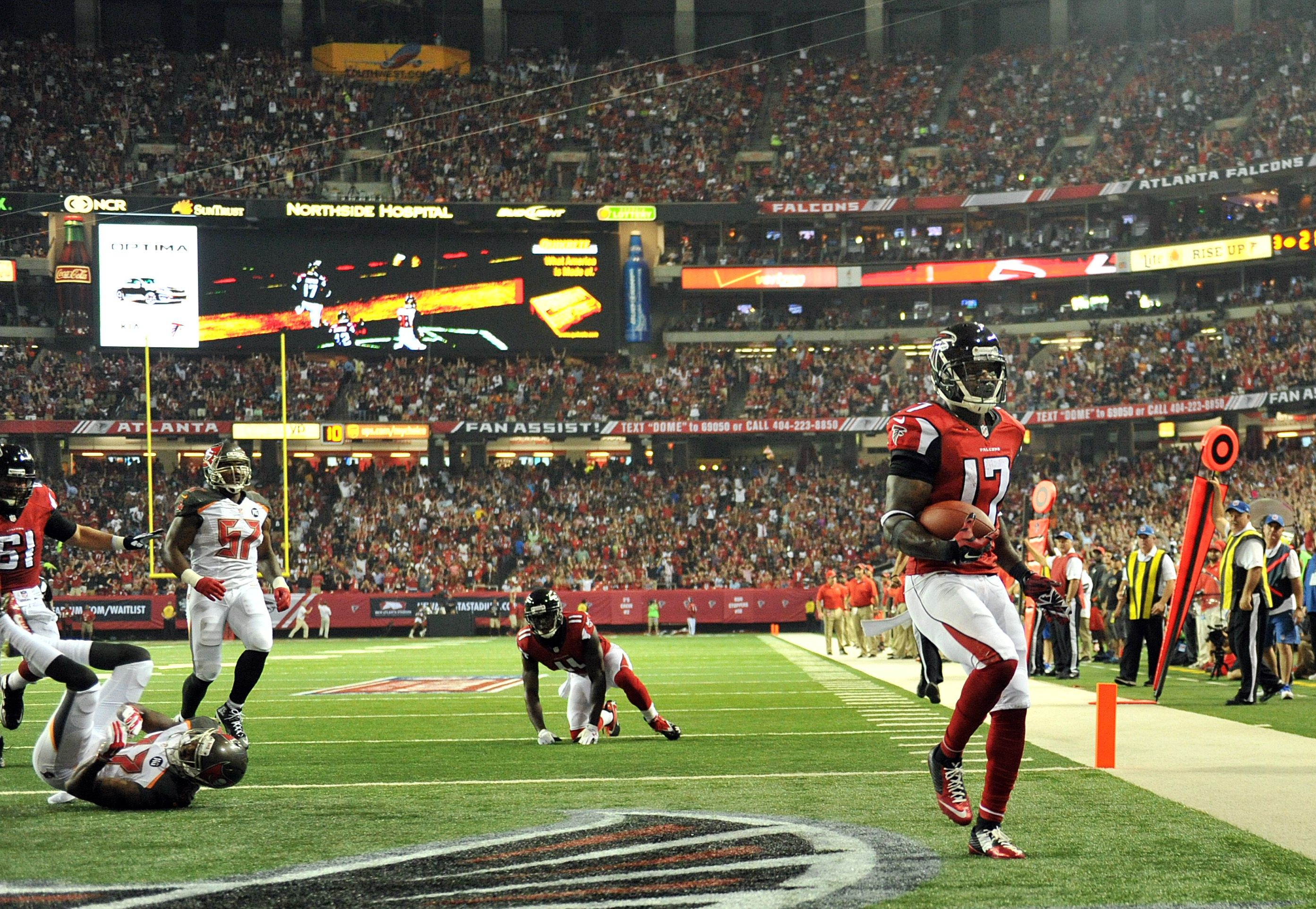 Photos Falcons Overwhelm Bucs Photo Falcons Devin Hester