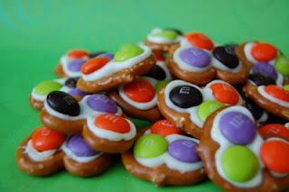 white chocolate m pretzels, these are so cute for halloween or any holiday