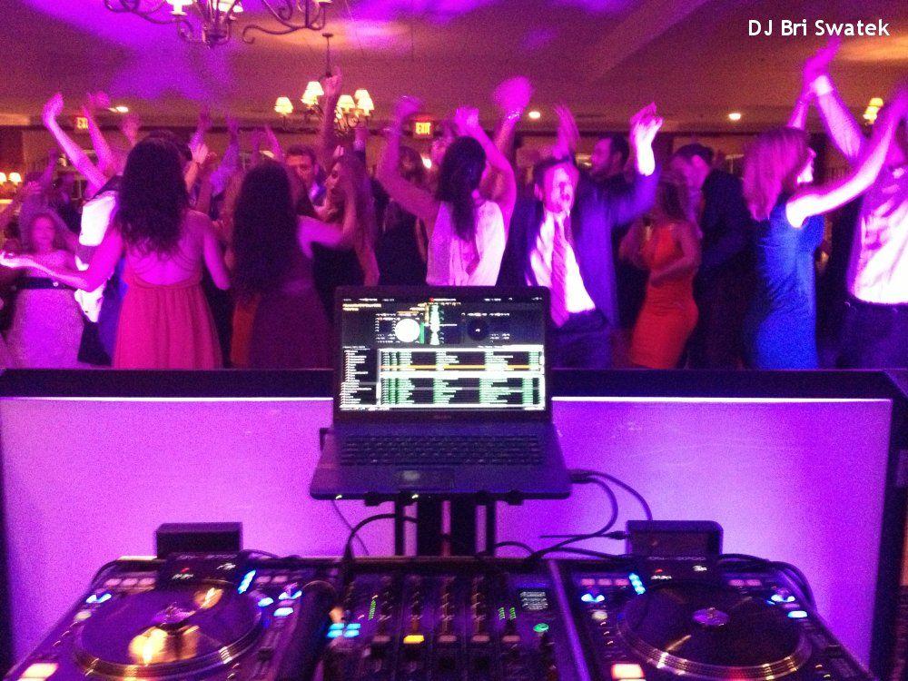 Hudson Valley Wedding Dj Bri Swatek Uplighting Dance Party Salem Golf Club Hudson Valley Wedding Wedding Dj Wedding