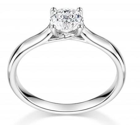 A simple and stunning solitaire! We love this Mastercut diamond ring
