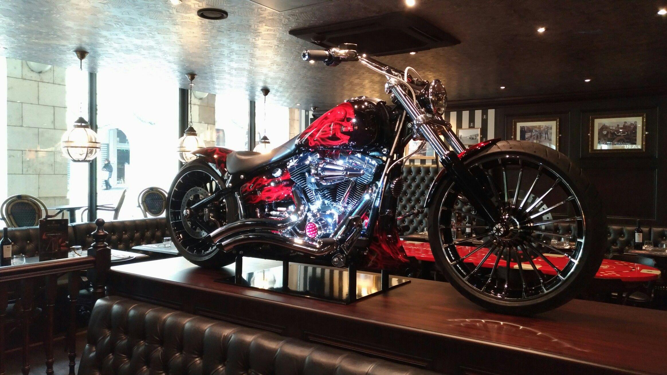 Harley breakout custom hd borie pub au bureau orlÉans harley