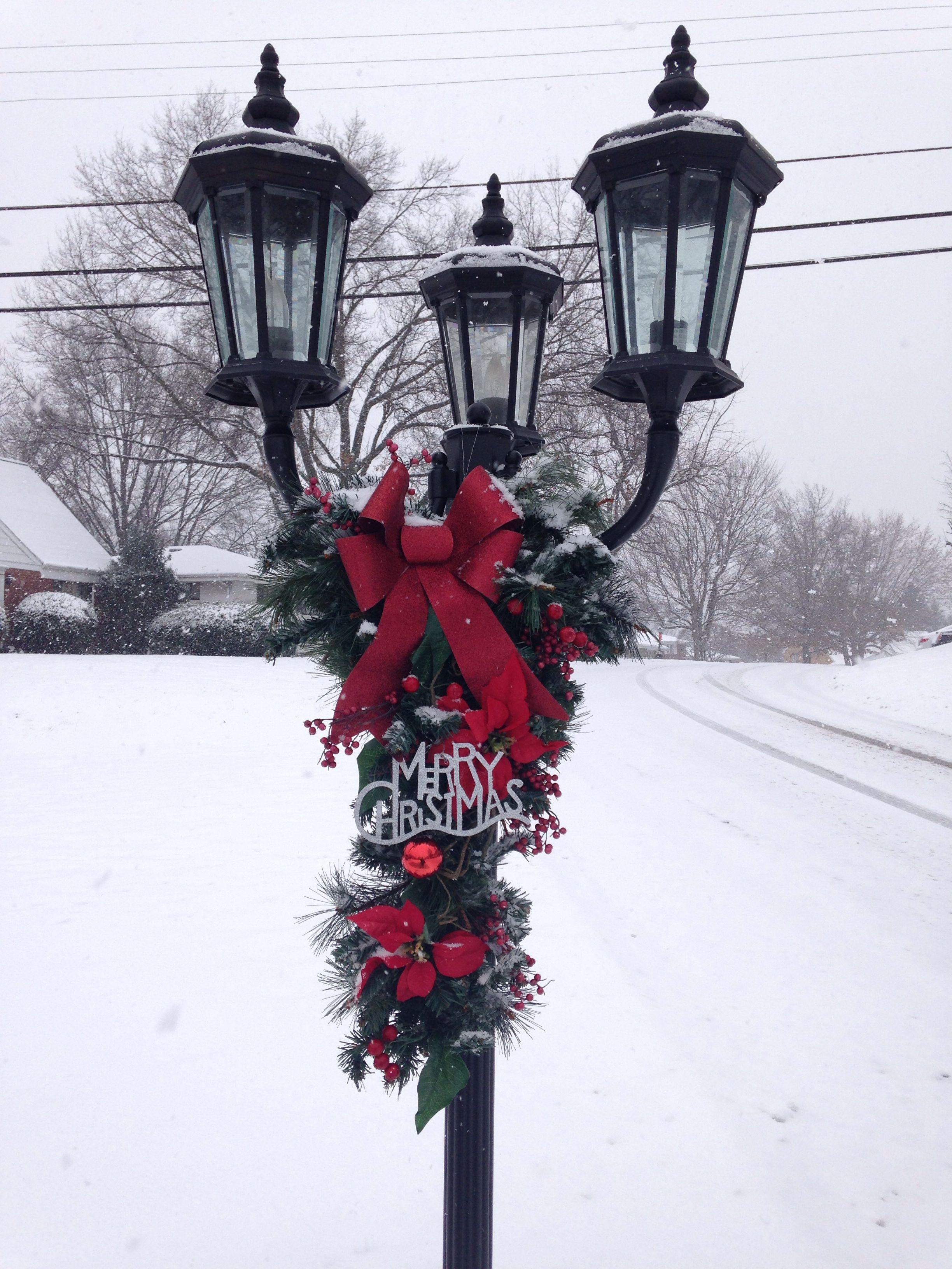 Christmas lamp post | Christmas lamp post, Christmas ...