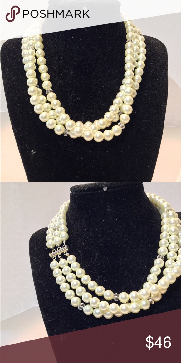 078fd0d9990f2 3 strand faux pearl checker Simple yet elegant nothing classier than ...