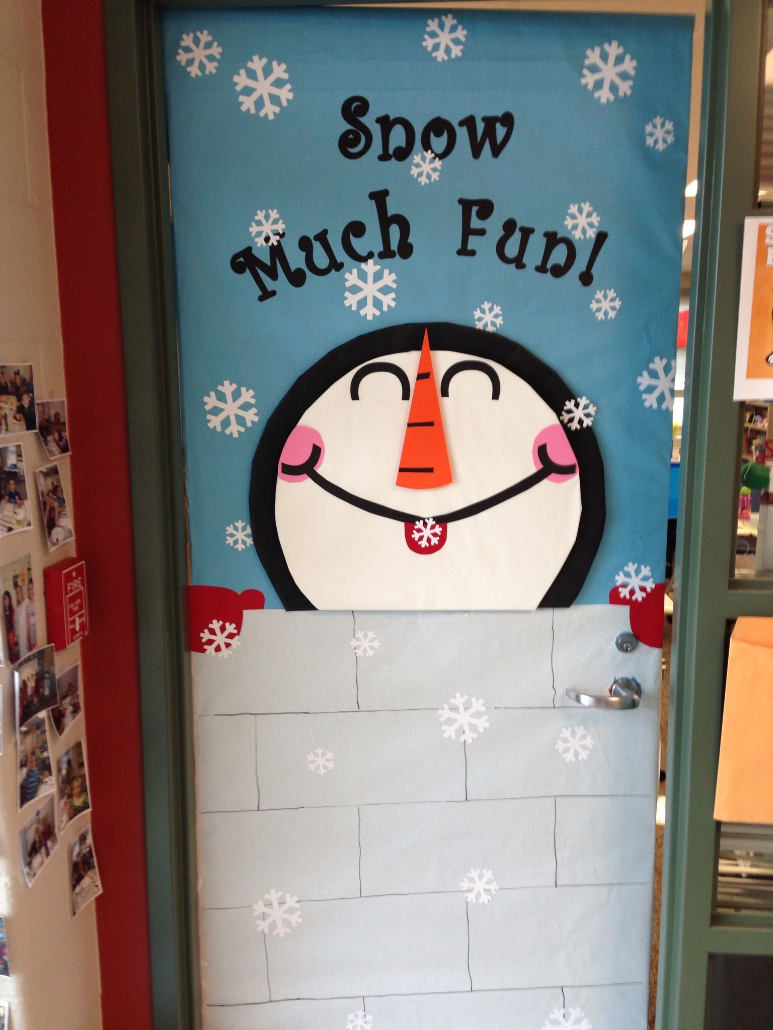 pretty christmas door decoration ideas classroom door