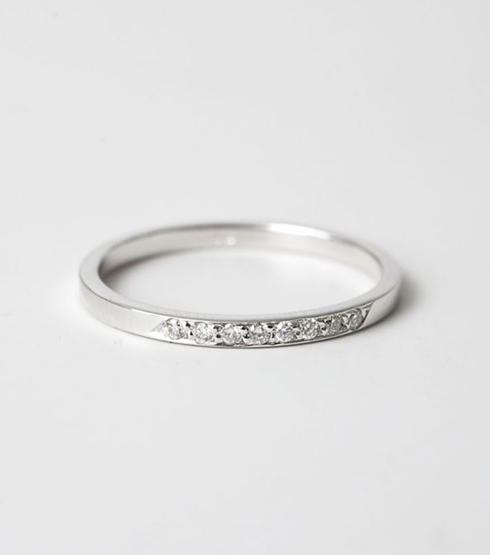 who says an engagement ring needs to be big flashy a sweet subtle - Flat Wedding Rings
