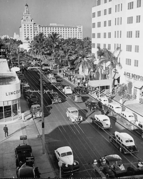 Old Miami Fl: Collins Ave At 20th Street Taken In 1940 With The Roney