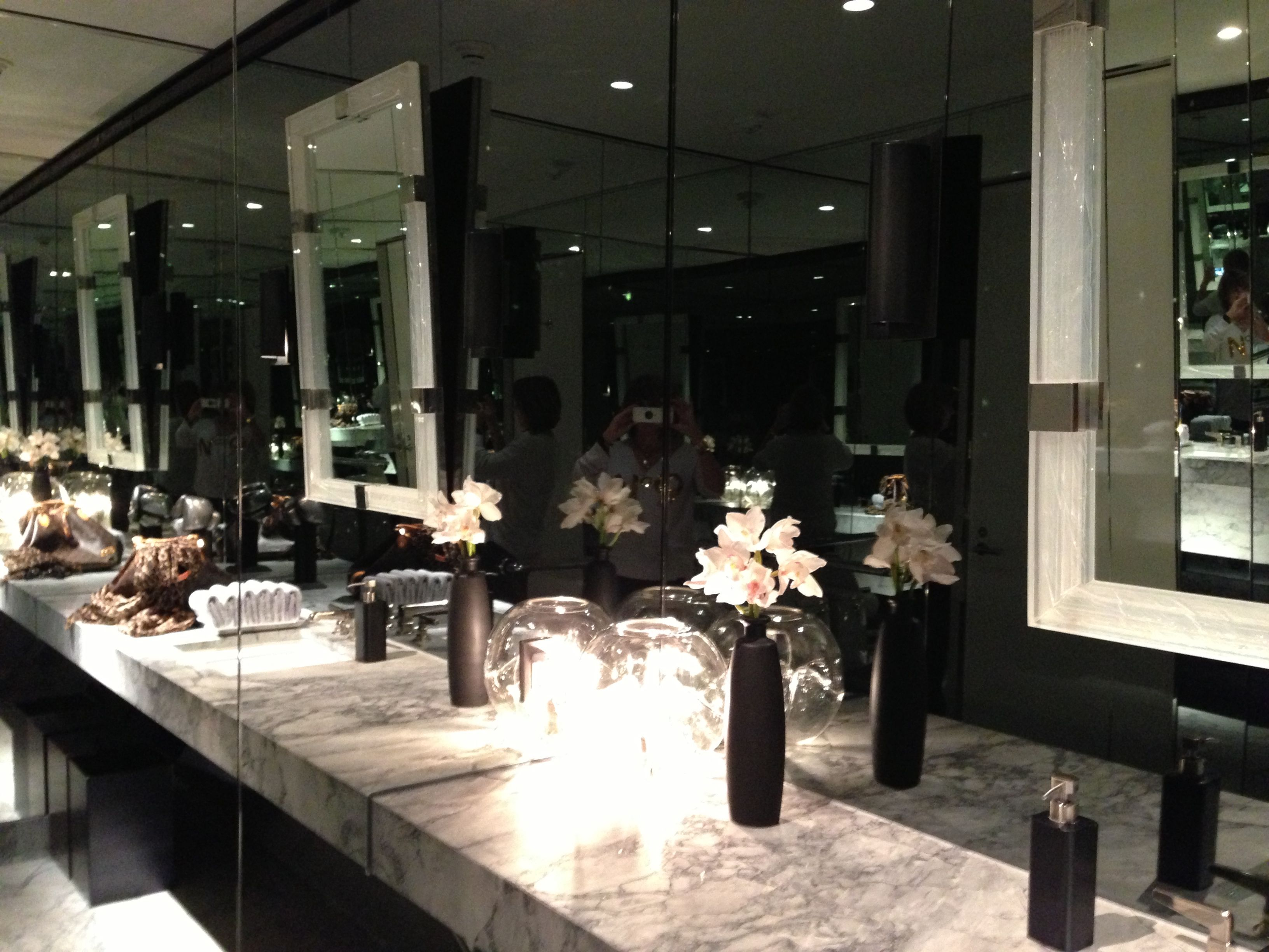 1fbe57230c16 The ladies room in the Tom Ford store in Beverly Hills is gorgeous ...