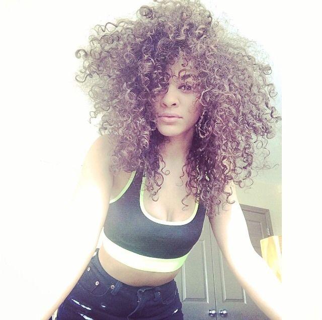 Curls POPPIN like whaaa