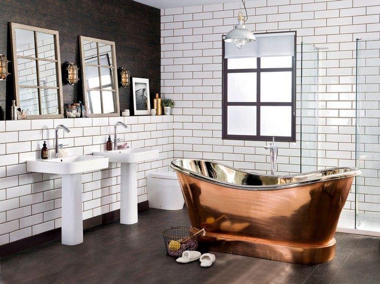 relooker sa salle de bain industrielle avec une baignoire en cuivre carrelage m tro et miroirs. Black Bedroom Furniture Sets. Home Design Ideas