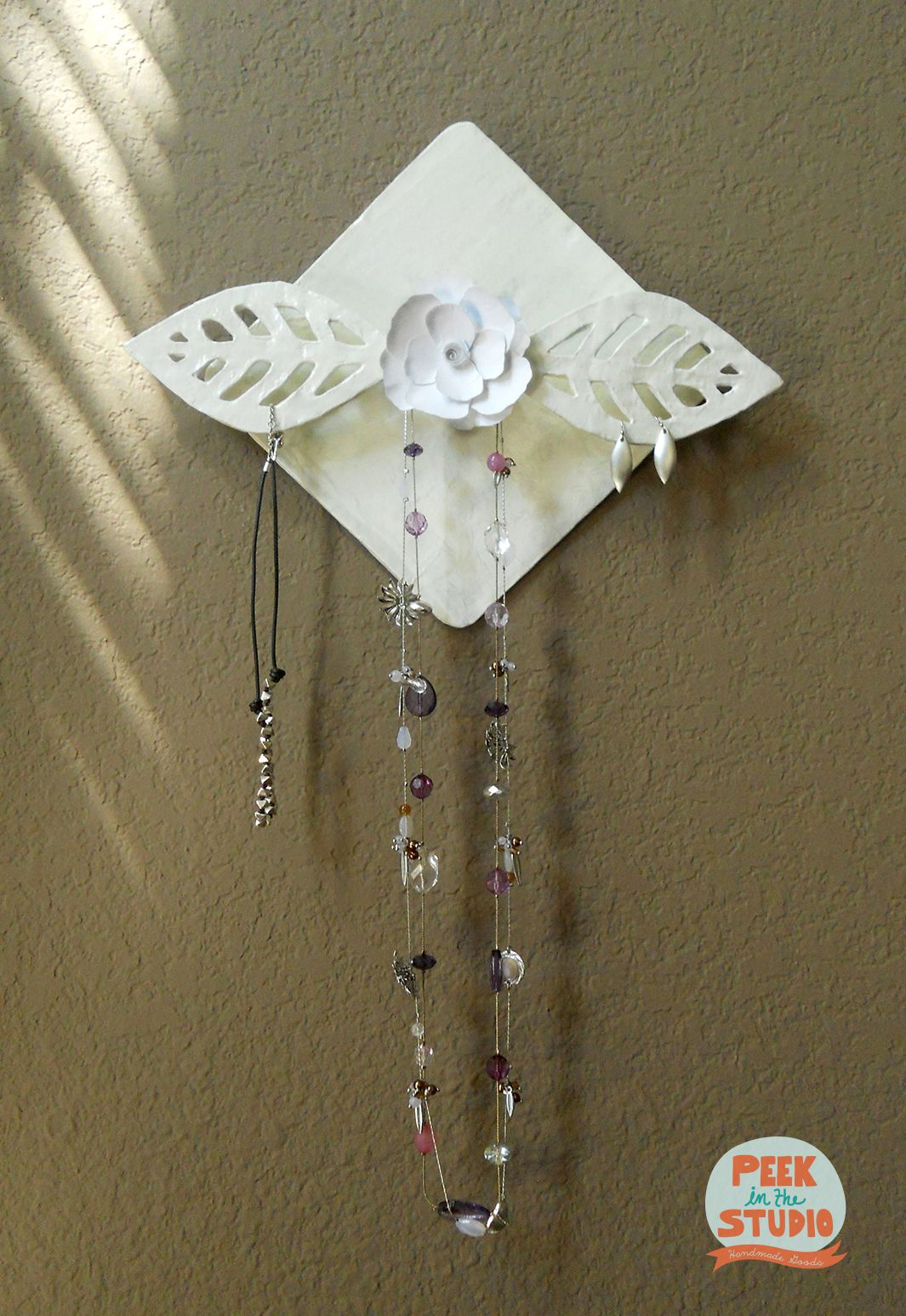 Jewelry hanger made of paper mache #papermache