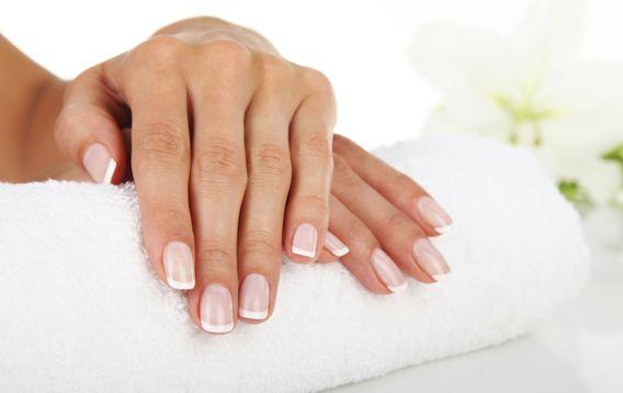 Le unghie: la loro struttura, forma e colore sono importanti indicatori dello stato di salute della persona. Scopri cosa fare se sono fragili