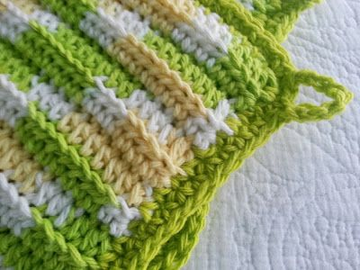 Easy Ribbed Hot Pad (tangled happy)   Potholders, Free crochet and ...