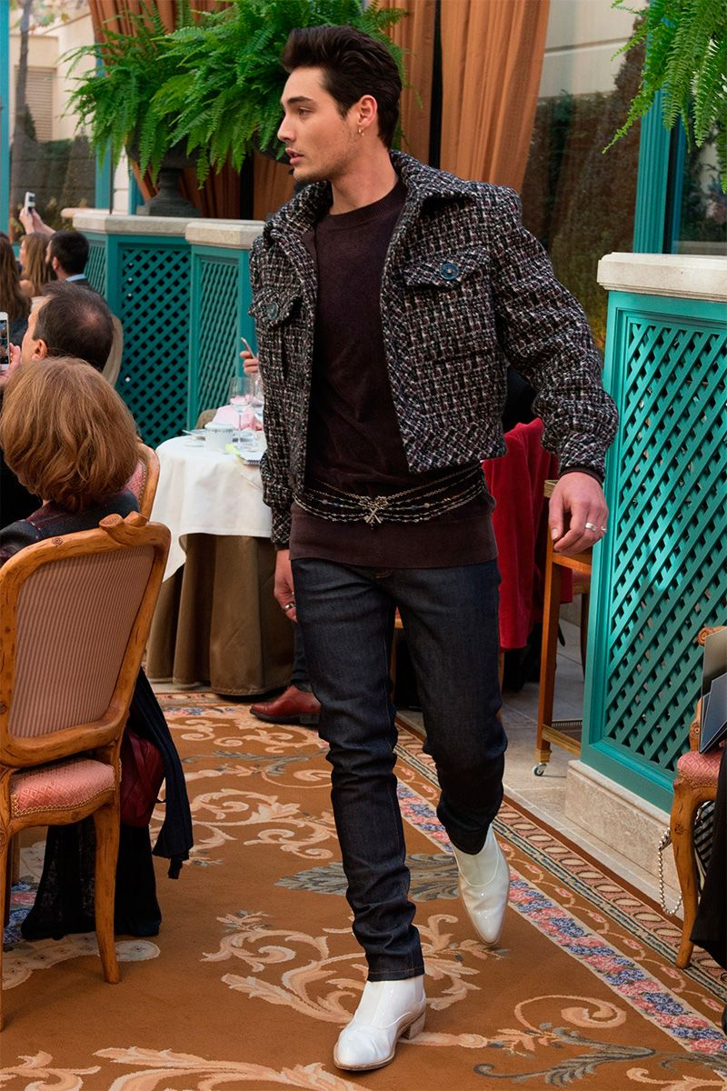 Winter mens men s fall fall autumn pre fall denim winter jeans - Karl Lagerfeld Showed 4 Menswear Looks For Chanel S Pre Fall 2017 Collection Presented At Hotel Ritz In Paris