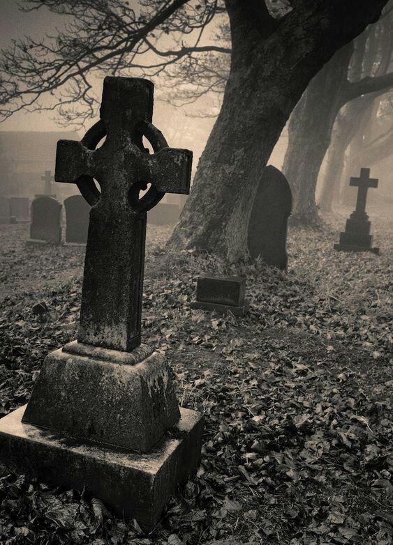 Cementerio fantasmagórico. | Arte de cementerio, Cementerios ...