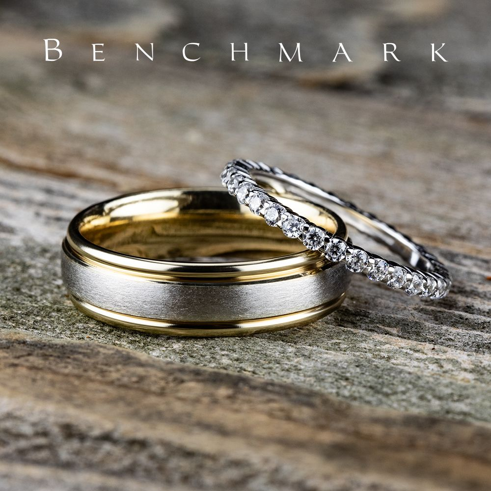 6mm yellow gold men's wedding ring with a white gold satin