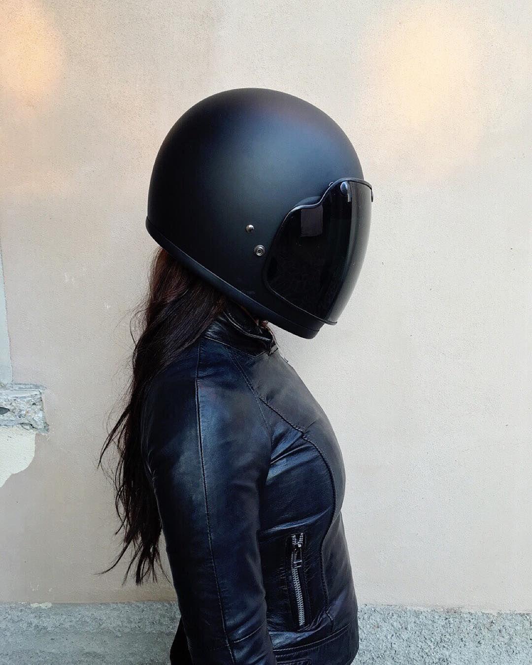 "spiriteddrivemagazine:  ""✖️Ridin'Dirty✖️ Stuck in my leather jacket.  Helmet…"