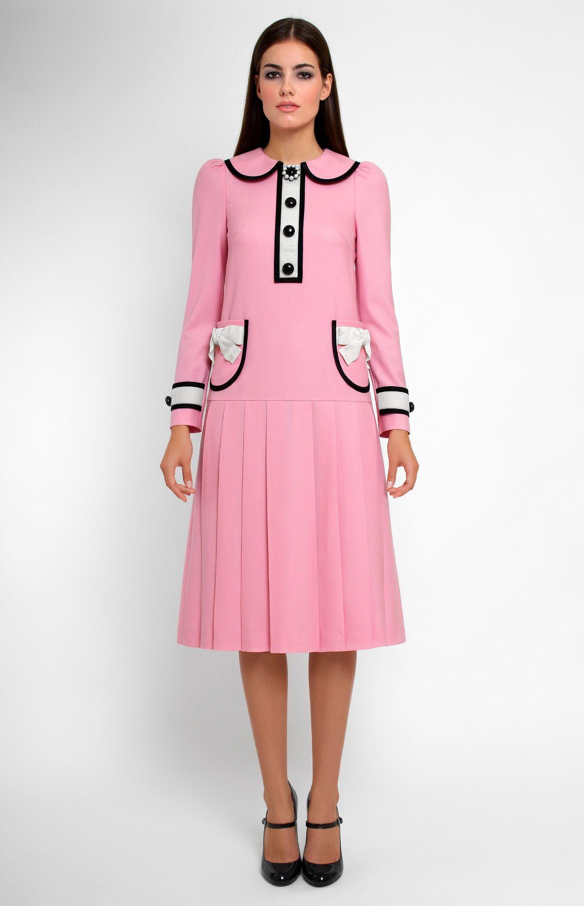 Low-waist long-sleeve genuine wool dress. Tucked turndown collar ...
