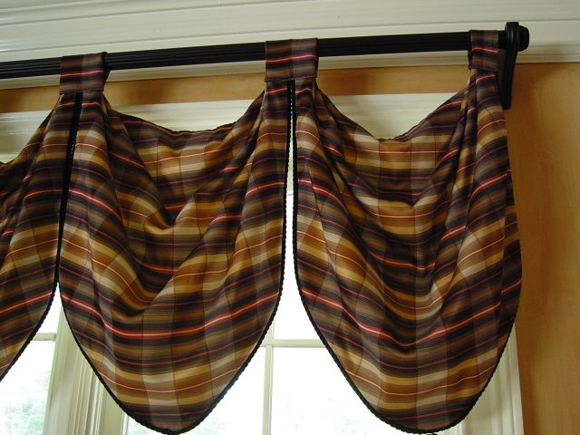 Easy Ascot Valance: This looks easy, wonder if I could pull it off ...