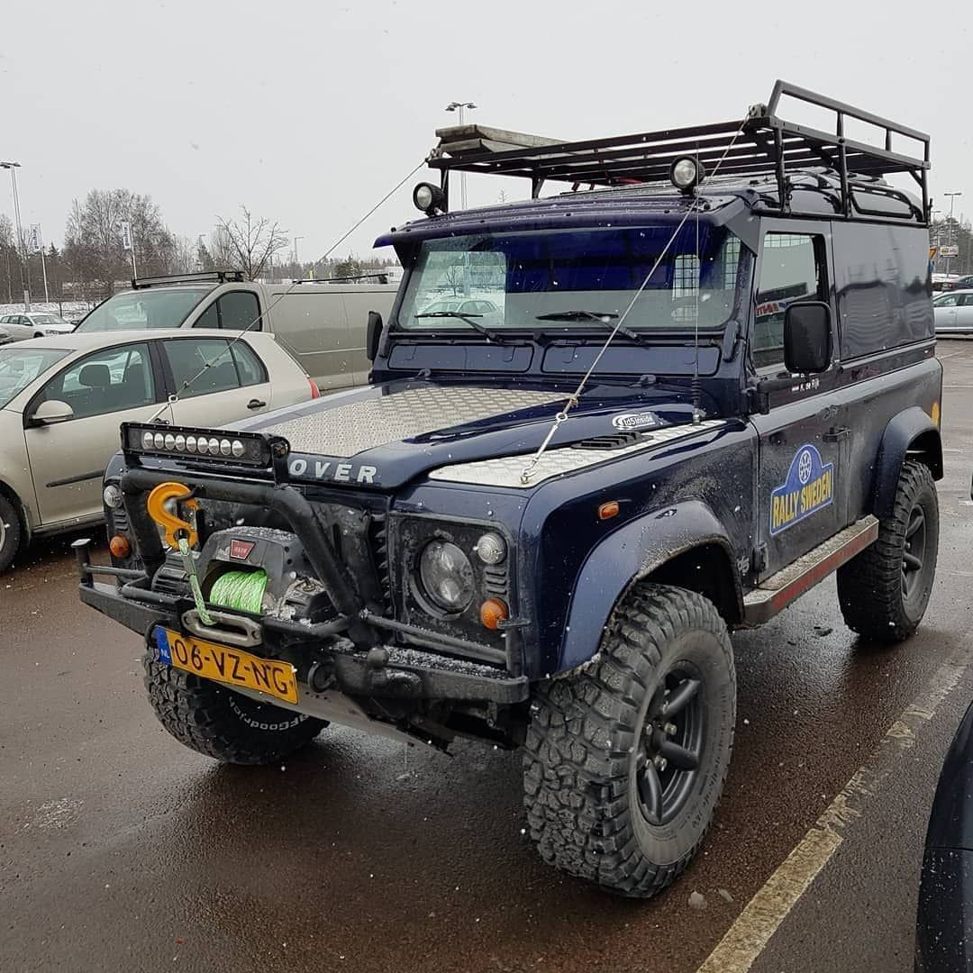 2 008 Likes 6 Comments Landroverphotoalbum On Instagram A Well Equipped 90 From The Netherlands By Td5advent Land Rover Land Rover Defender Suv Camping