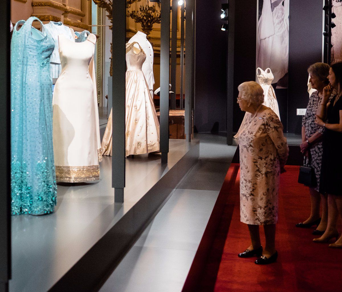 Garderobe Queen Elizabeth The Royal Family Royalfamily On Twitter Queen Elizabeth