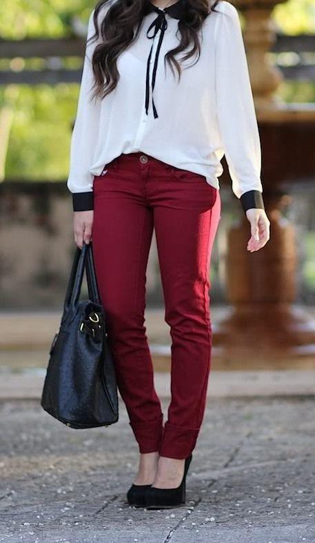 2d1127a7c Calças cor de vinho + camisa branca e preta   Fabulously Fierce ...