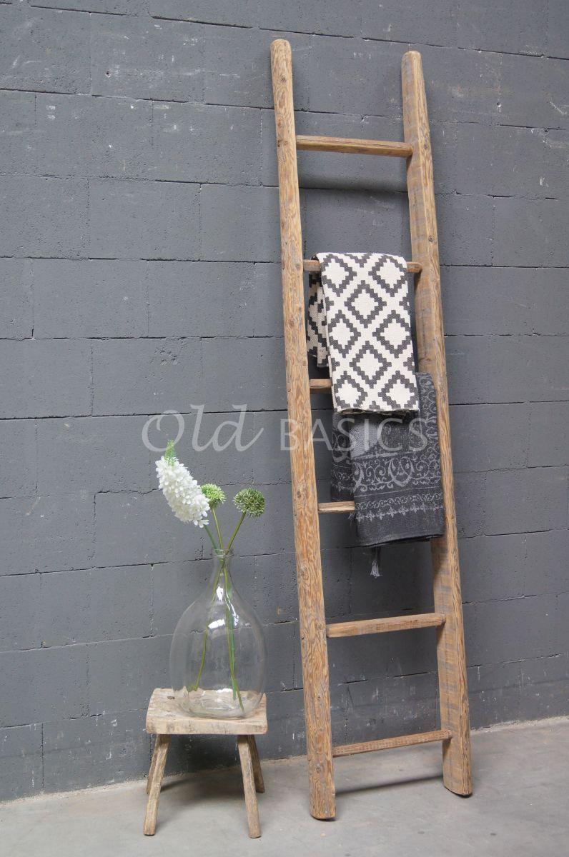Robuuste Houten Ladder.Houten Ladder Old Basics Badkamer In 2019 Ladder Home Decor