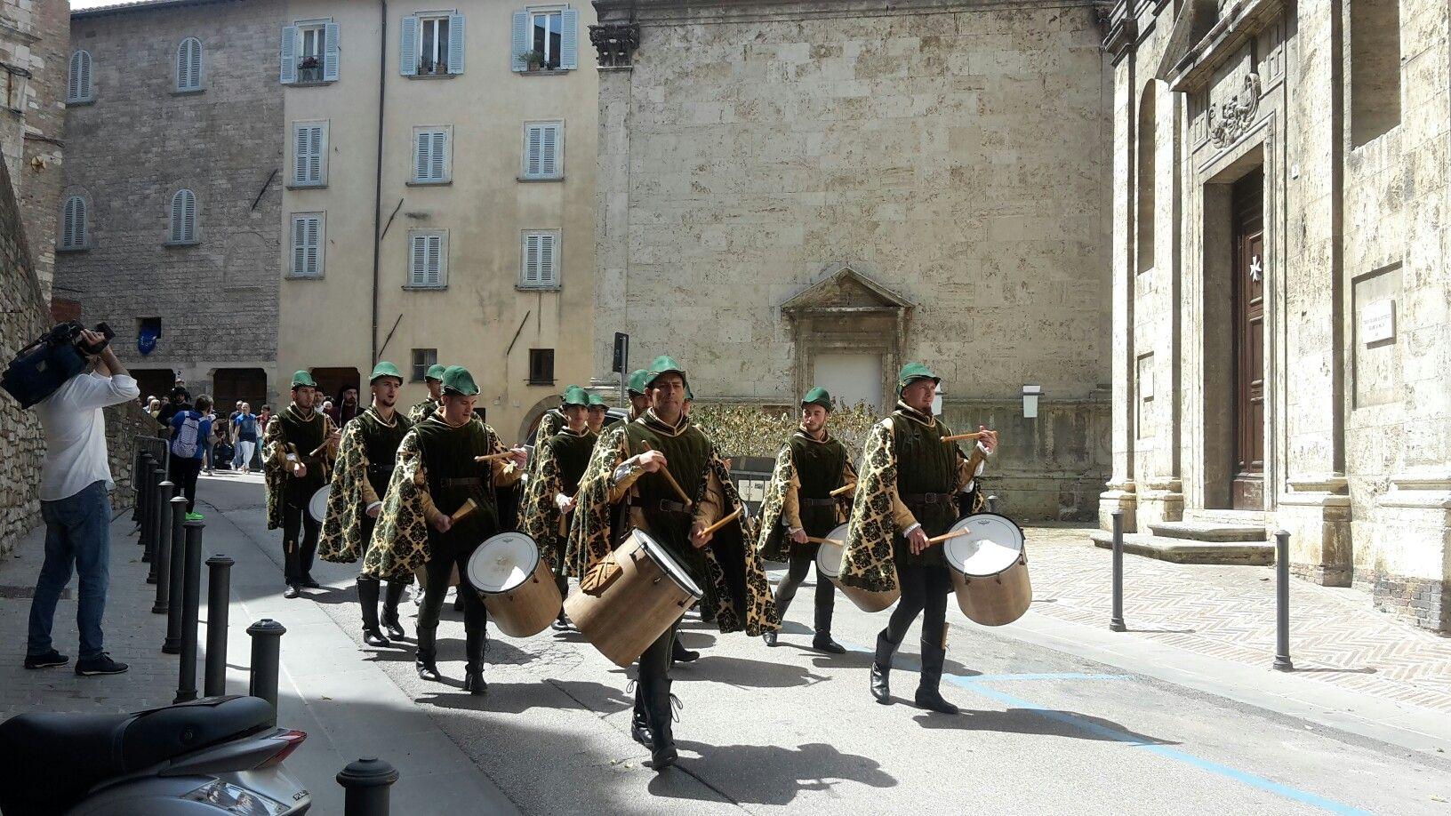 Pin di I Live Umbria su Perugia 1416