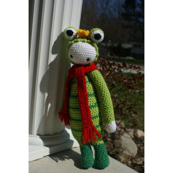 Lovable Prince Charming, amigurumi lalylala inspired frog! Customizable on request.