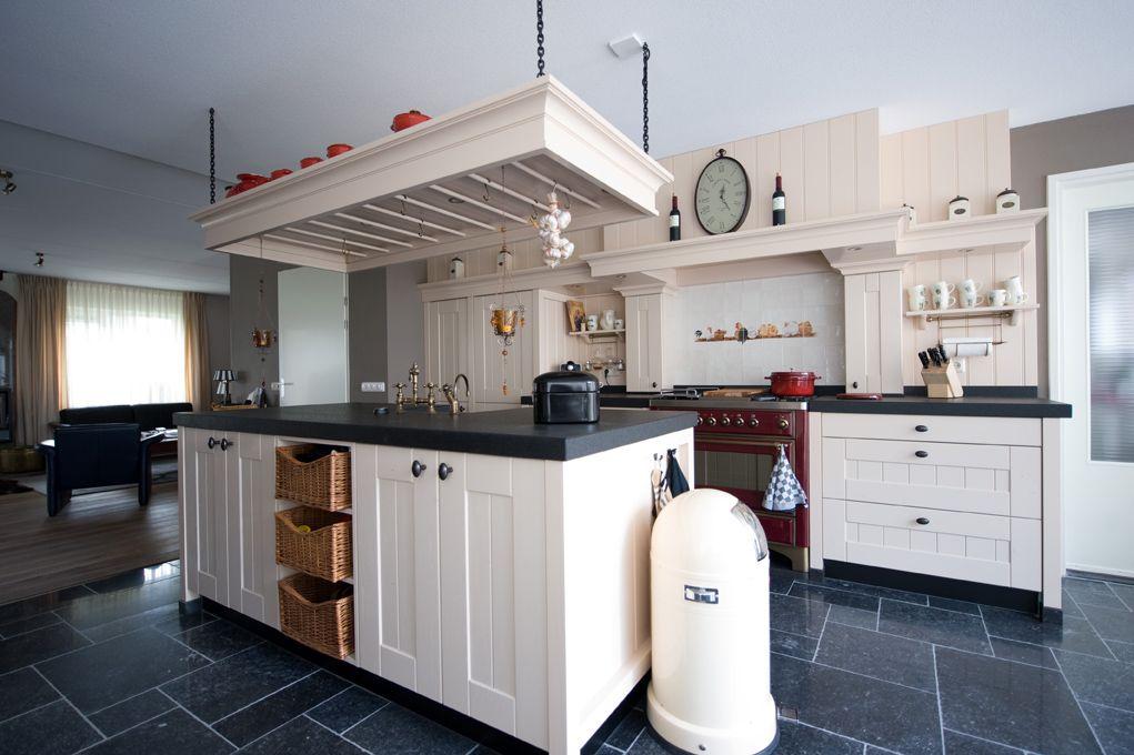 Keukens Met Eiland : landelijke keuken met eiland Google zoeken Kallestraat