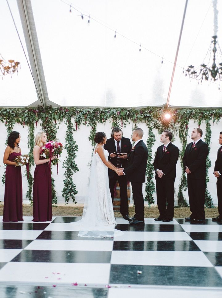Wedding Ceremony | Fall backyard wedding with burgundy details | fabmood.com #wedding #fallwedding #chandelier