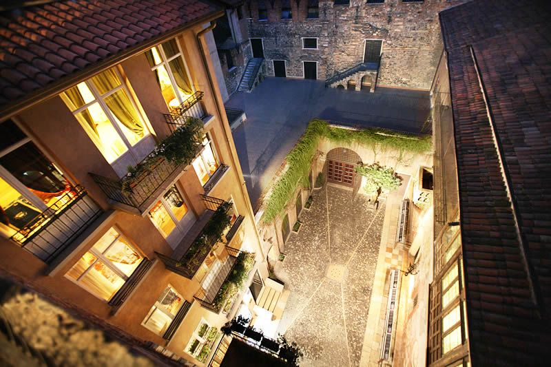 Hotel Verona Luxury Italian In Exclusive Relais Opposite Juliet S Balcony Wedding Italy With Romeo And Ver