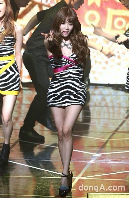 Girls' Generation - SNSD - TTS Taeyeon , Tiffany and Seohyun