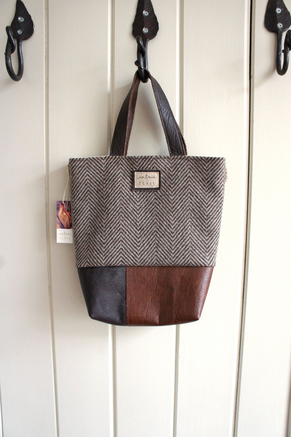 d4d765d9a1 Herringbone Tweed and Soft Brown Leather HandBag Purse. £70.00
