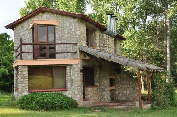 Caba as r sticas de piedra en nono casas casas for Modelos cabanas rusticas pequenas