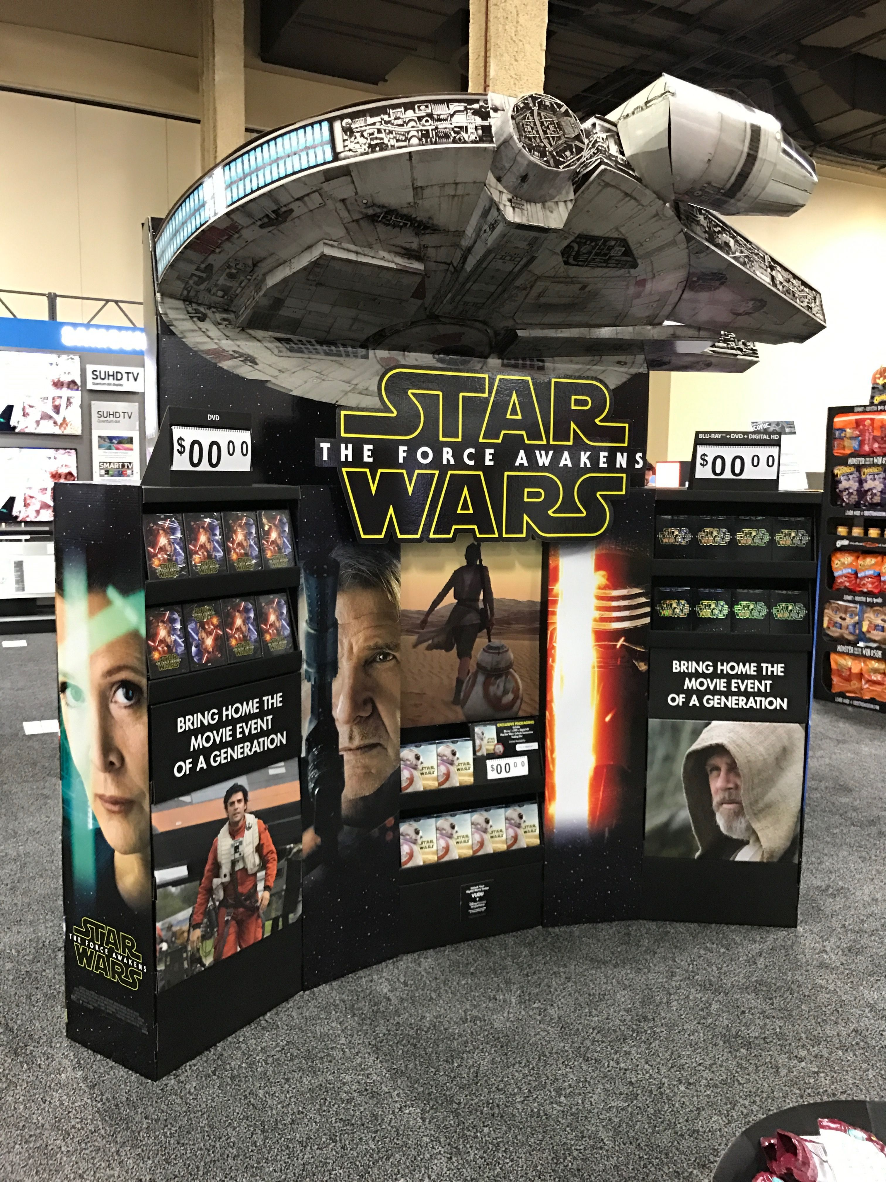 Star wars free standing unit looking to get noticed with for Merchandising star wars