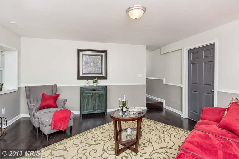 Attractive Chair Rail Grey Part - 3: Dark Floor And Grey Wall Below Chair Rail W/ Grey Doors