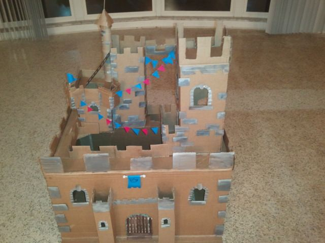 The castle i made out of cardboard craft ideas pinterest for Castle made out of cardboard