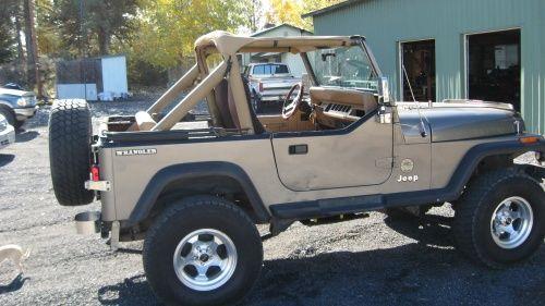 Jeep Wrangler Sahara (1988)