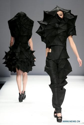 Origami Fashion - dramatic sculptural garments with complex 3D folded structures; wearable art #wearableart
