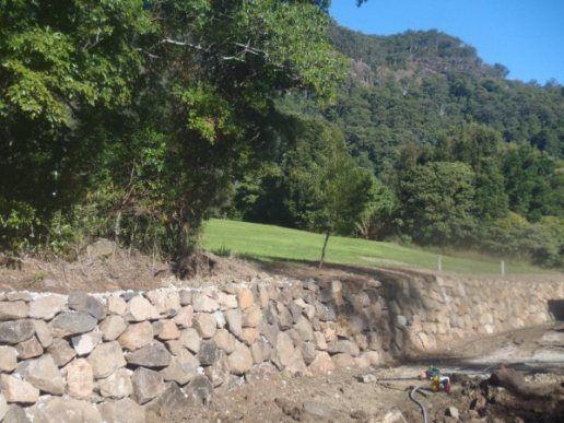 Gold Coast Rock Walls By Currumbin Earthmoving Gold Coast Rock Walls Gold Coast Rock Wall Builder Gold Coast Retainin Home And Garden Retaining Wall Outdoor