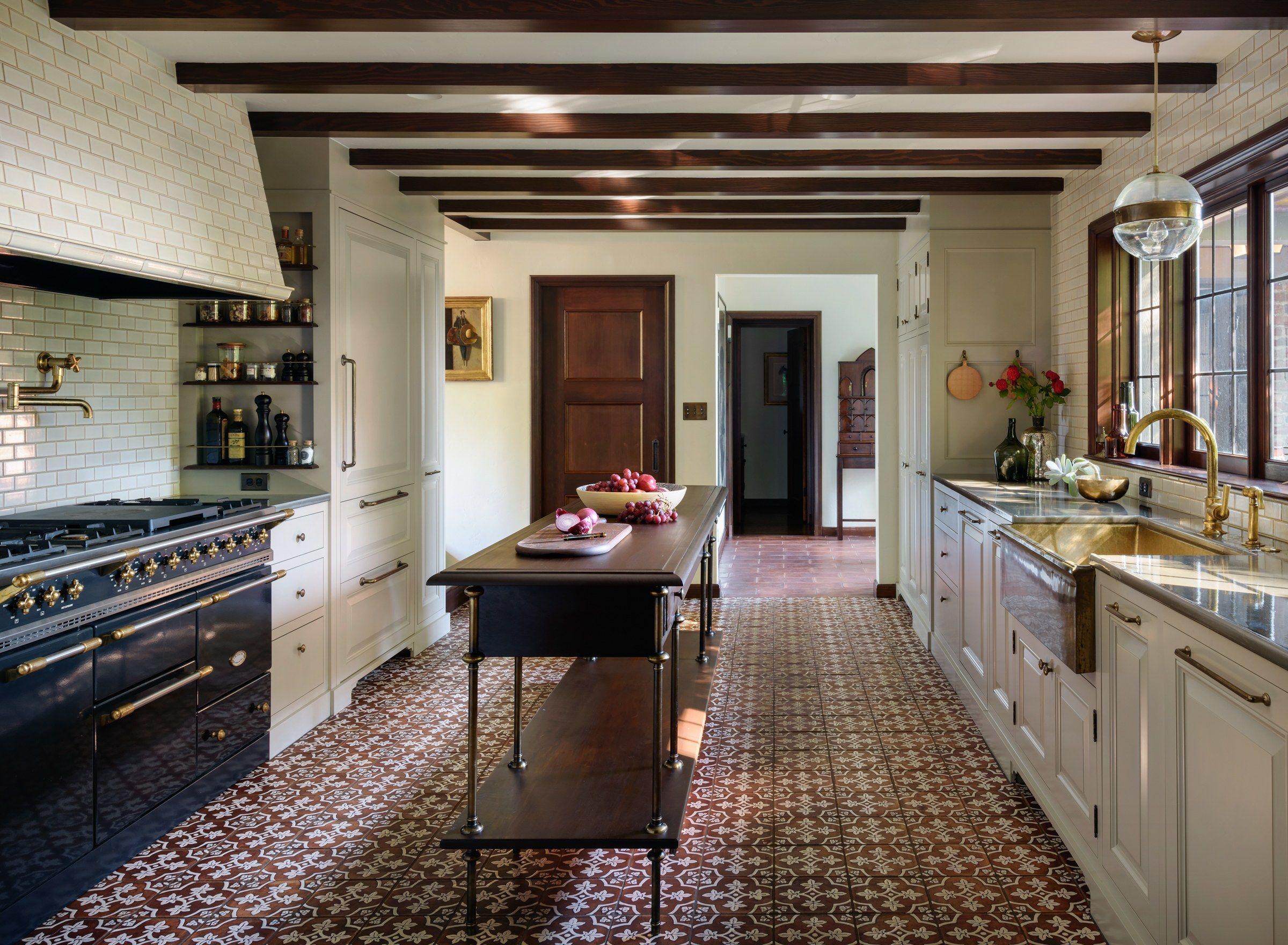 Go Inside A Historic Portland Tudor That S Surprisingly Modern Tudor Kitchen Tudor Style Homes Tudor House