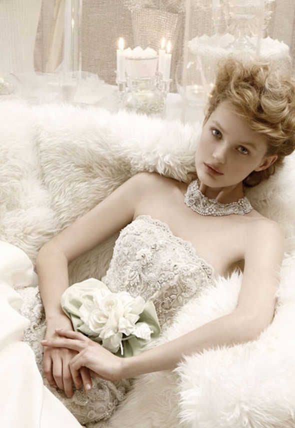 Google Image Result for http://www.weddingdressesblog.org/wp-content/uploads/2012/03/2012-wedding-gowns-Latest-Bridal-wears-Collection-2012.jpg