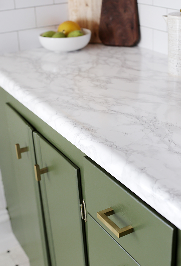 13 Diy Faux Marble Countertop The Merrythought Faux Marble Countertop Marble Countertops Kitchen Diy Countertops